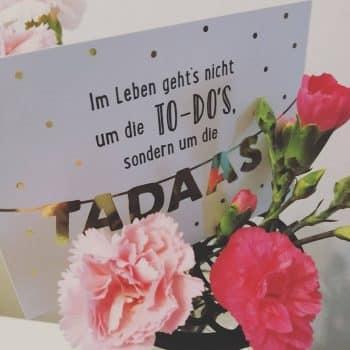 Geschenke Dekoration Blumen Grußkarte