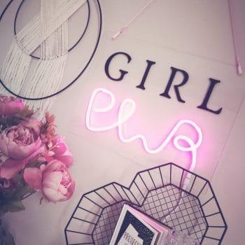 Leuchtschild Girl